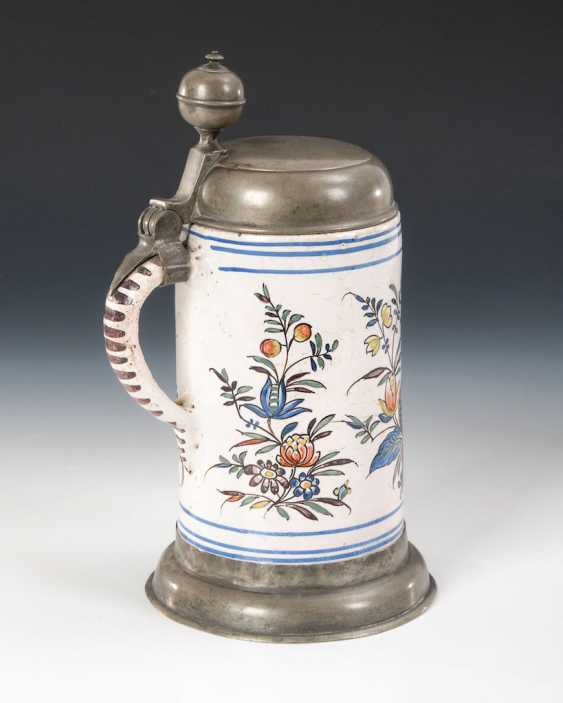 Faience-roll pitcher with bird and flowers - photo 2