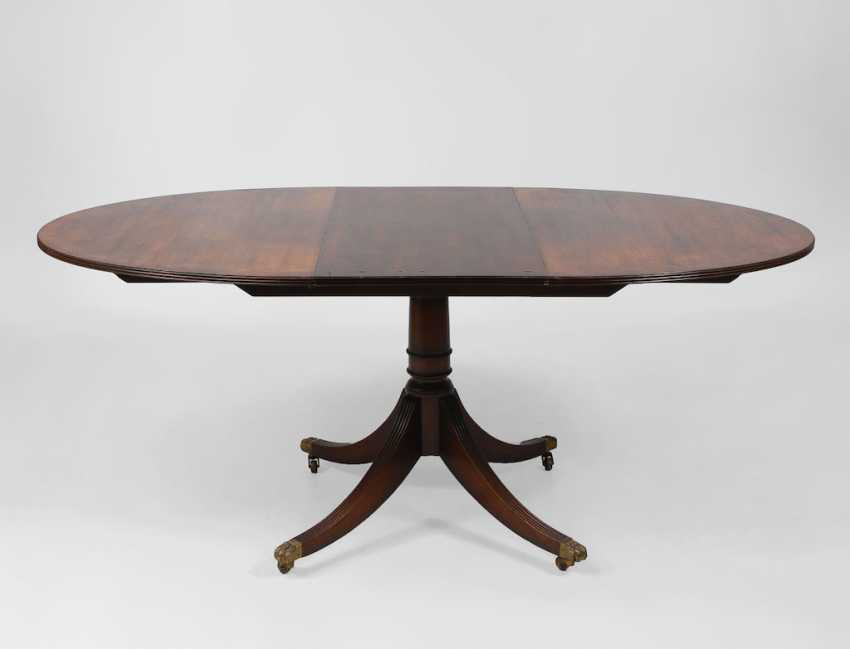 Oval English dining table. - photo 2