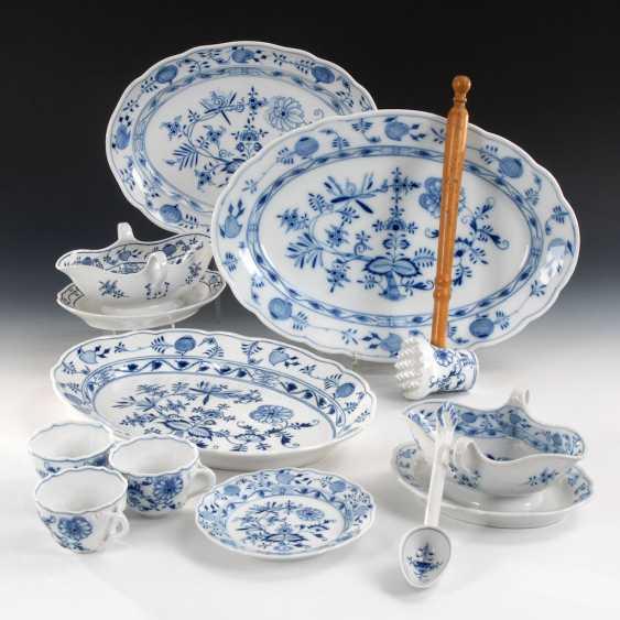 11 parts onion pattern-porcelain, POND - photo 1