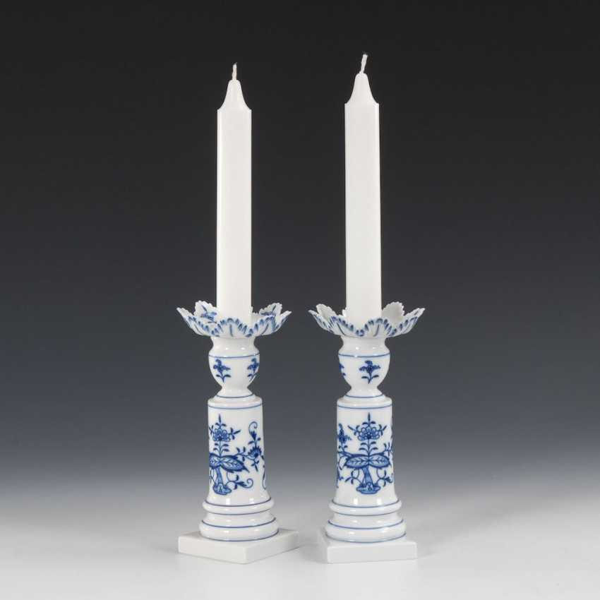 Pair of onion pattern candlesticks, MEIS - photo 1