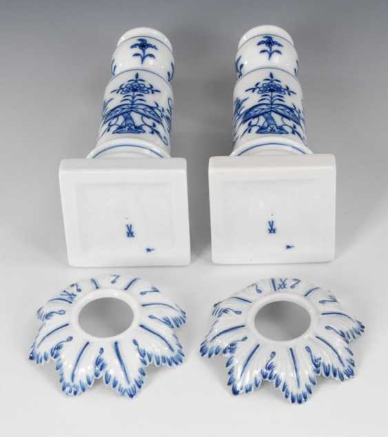 Pair of onion pattern candlesticks, MEIS - photo 2