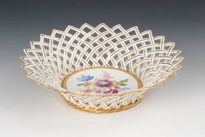Wicker basket with flower painting, MEISSEN. - photo 1