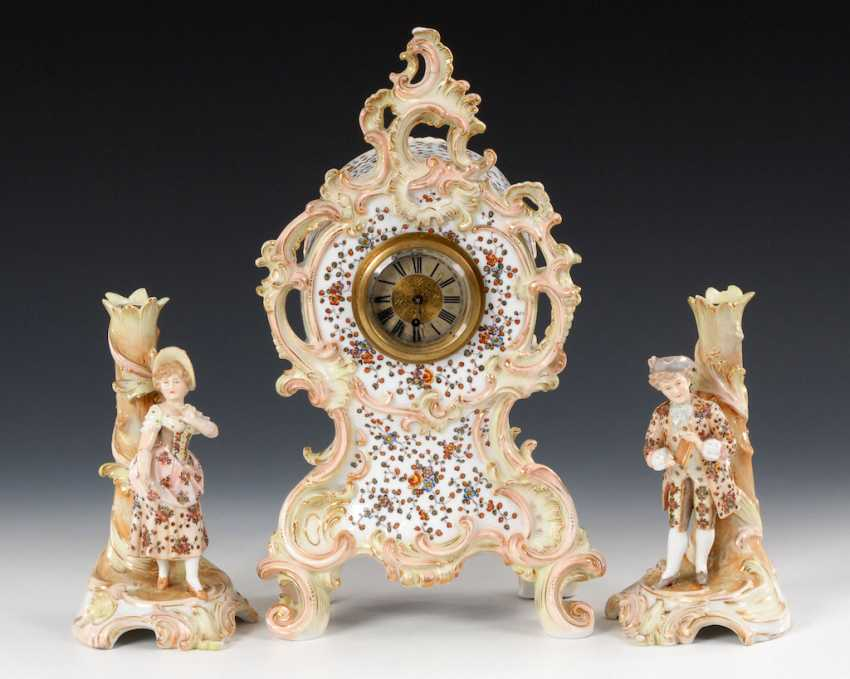 Watch with 2 figural candlesticks - photo 1