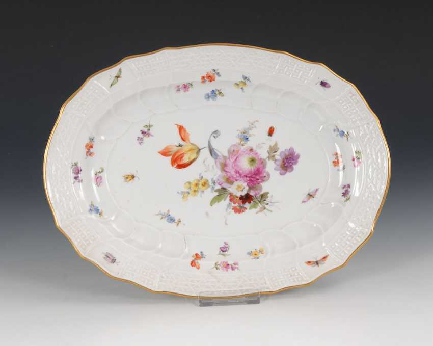 Plate with flower painting, MEISSEN. - photo 1