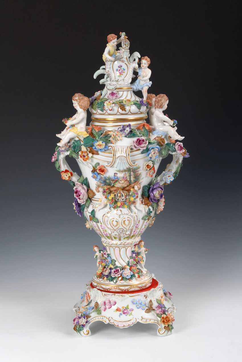 Great pomp-lidded vase, POTSCHAPPEL. - photo 1