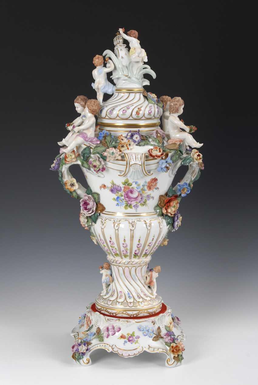 Great pomp-lidded vase, POTSCHAPPEL. - photo 3