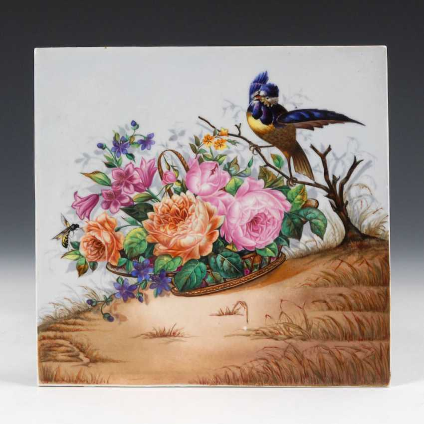Porcelain painting: flower basket with bird. - photo 1