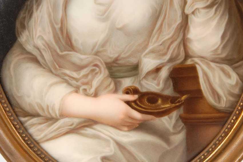 Porcelain painting: portrait of a lady al - photo 2
