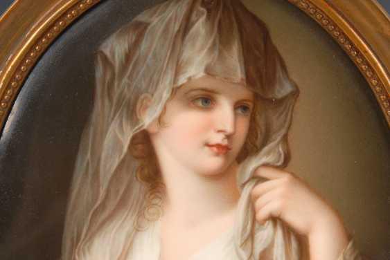 Porcelain painting: portrait of a lady al - photo 3