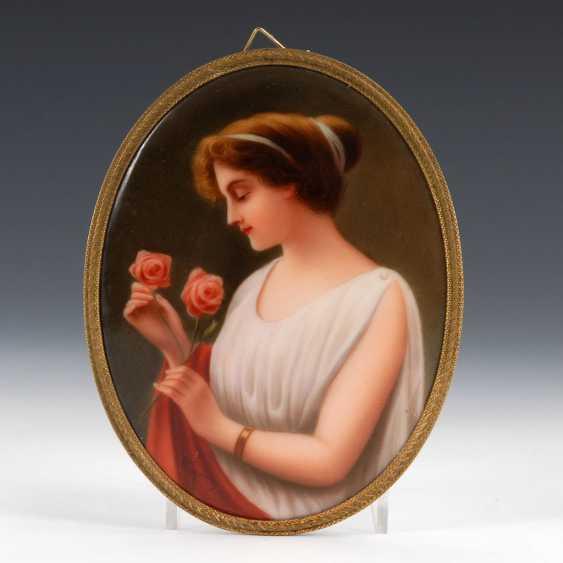 Porcelain painting: lady portrait, HUTSCHE - photo 1