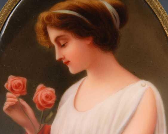Porcelain painting: lady portrait, HUTSCHE - photo 2