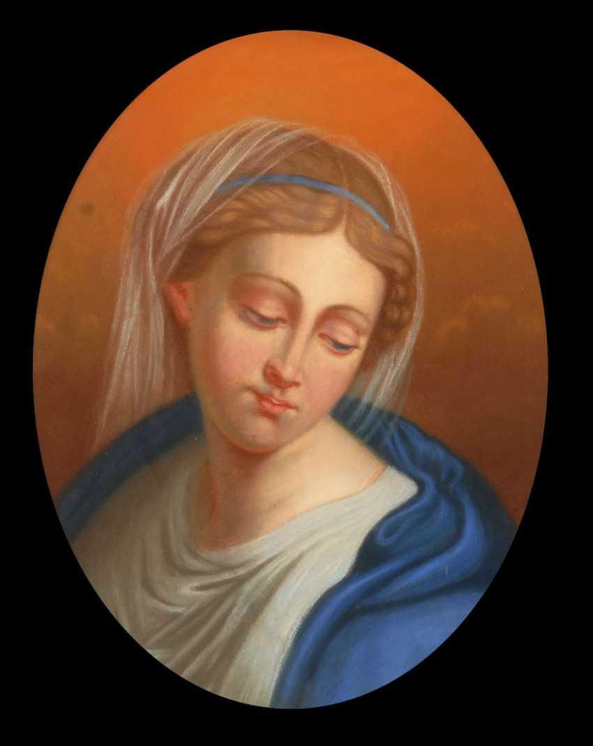 Woman portrait. - photo 1