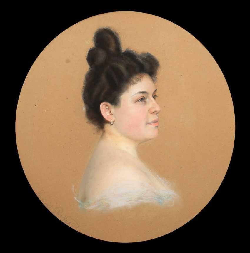 LARGE, Emanuel: woman portrait. - photo 1