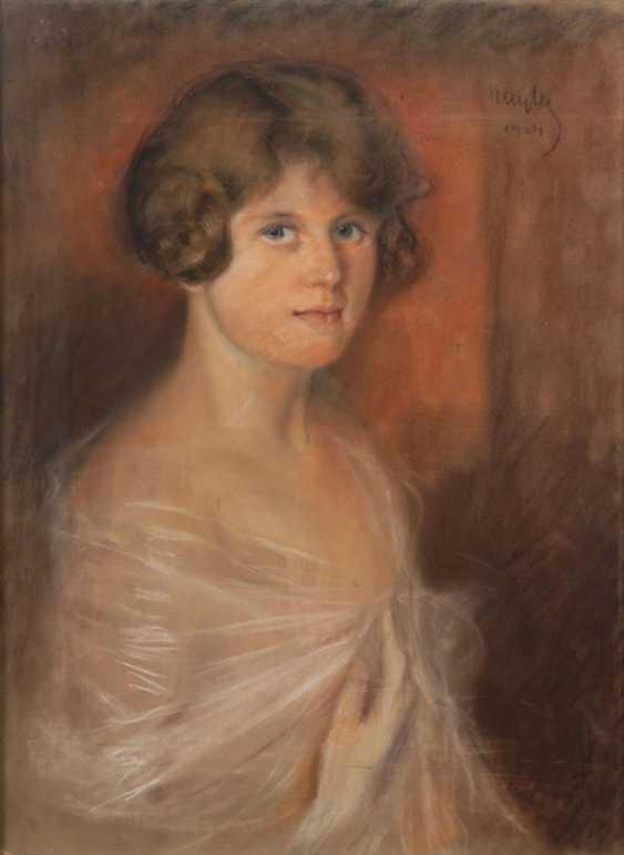 WAITER, Sebestian: woman portrait. - photo 1