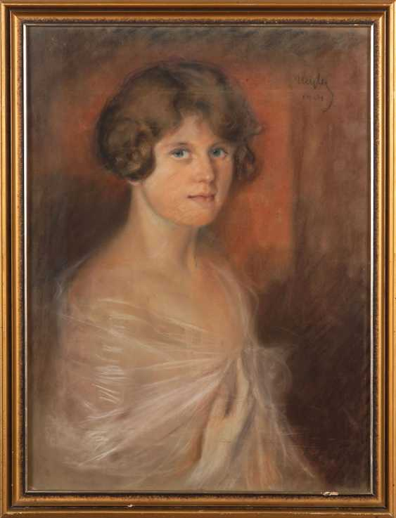 WAITER, Sebestian: woman portrait. - photo 2
