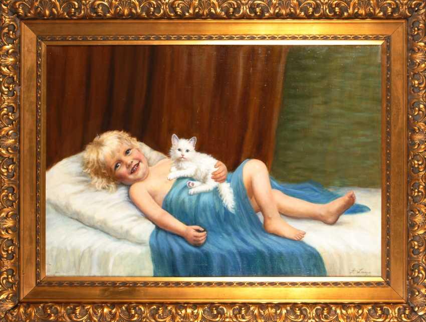 LAMP, Amanda: child with cat. - photo 2