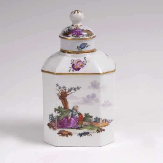 Tea caddy with genre painting - photo 1