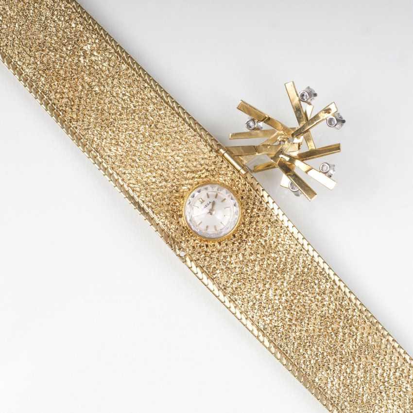 Vintage jewelry wrist watch with brilliant trim - photo 2