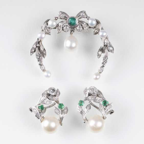 Diamond-pearl-brooch with matching Pair of clip earrings - photo 1