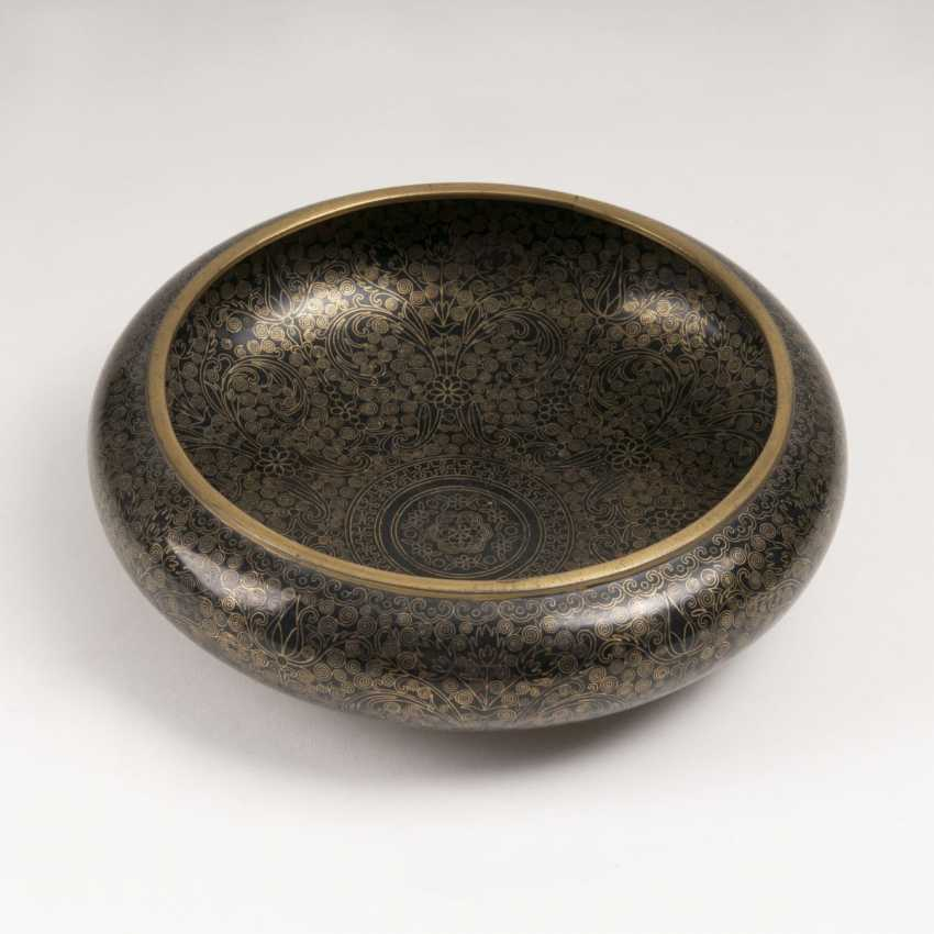 Cloisonné bowl with spiral tendrils decor - photo 2