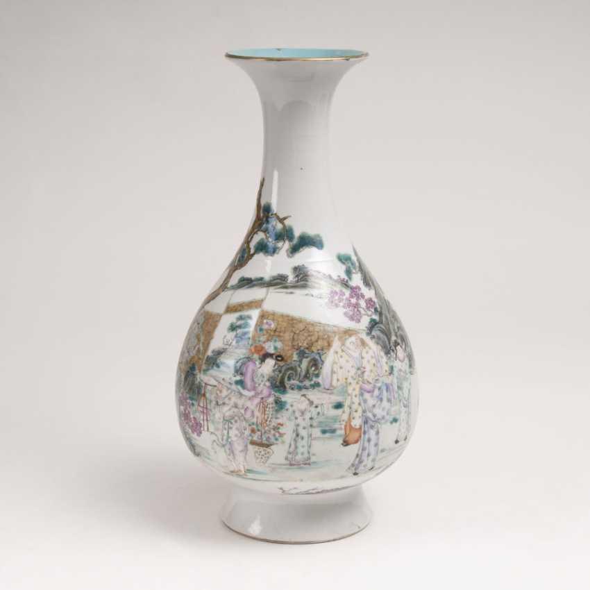 Narrow neck vase with figural scenes - photo 1
