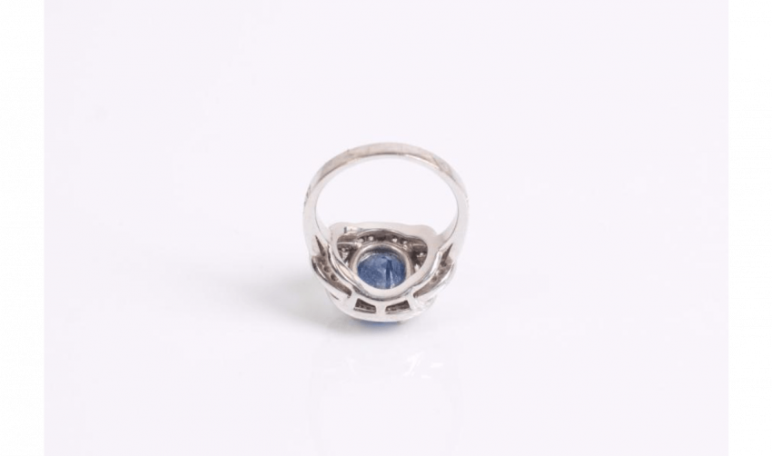 Ring in white gold (750 thousandths) set with a sapphire - photo 3