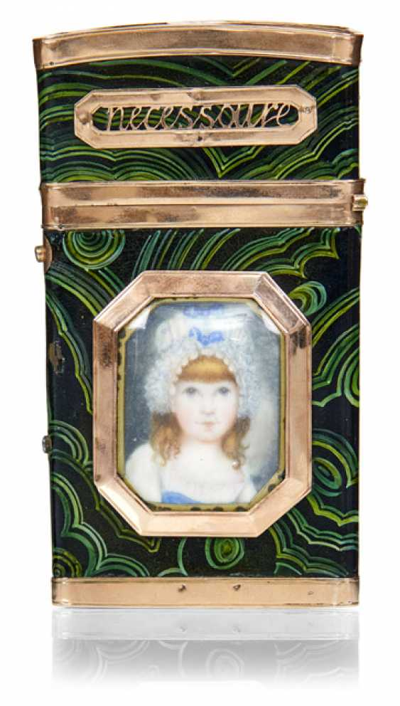 Toiletry travel bag with miniature paintings - photo 2