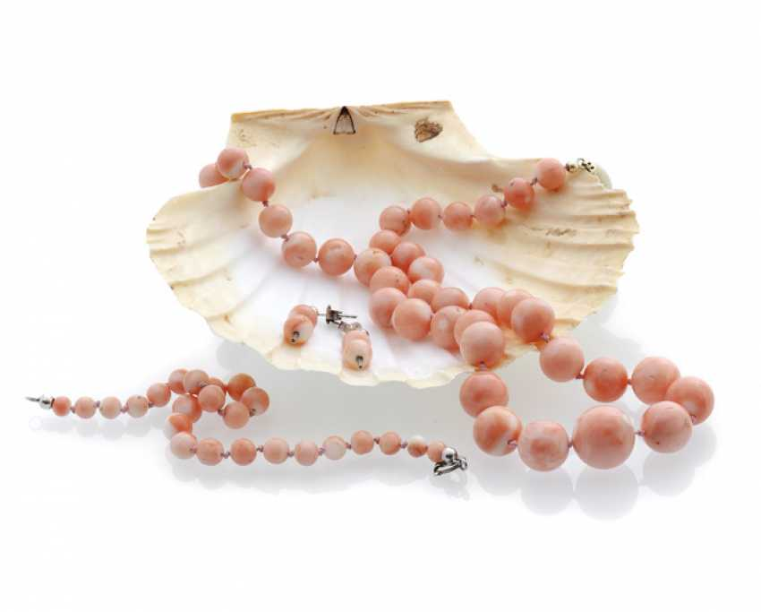 Necklace and bracelet made of angel skin coral - photo 1