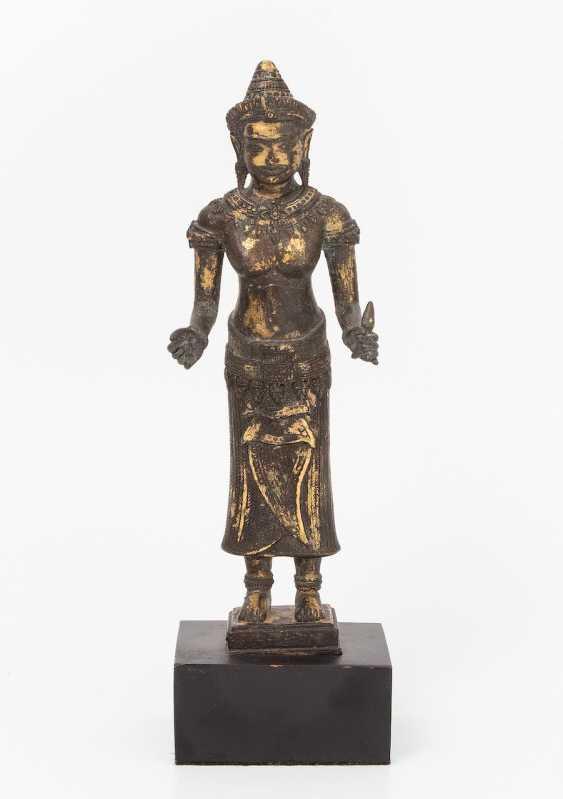 Bronze figure of the goddess Uma - photo 1