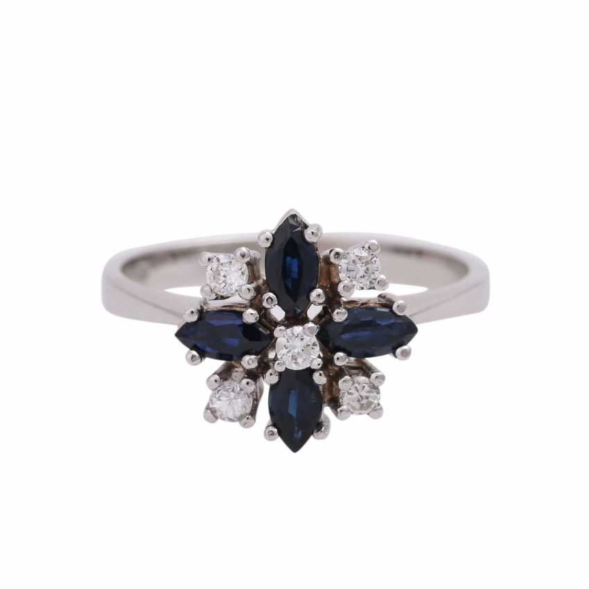 Ring with 4 sapphire navettes, CA. 0,86 ct and 5 diamonds, - photo 1