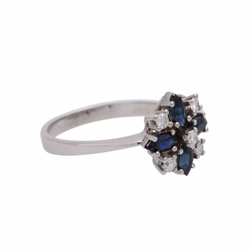 Ring with 4 sapphire navettes, CA. 0,86 ct and 5 diamonds, - photo 2