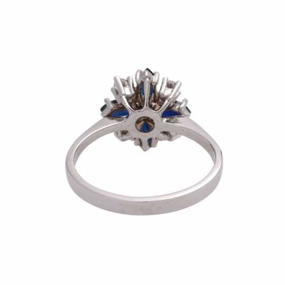 Ring with 4 sapphire navettes, CA. 0,86 ct and 5 diamonds, - photo 4