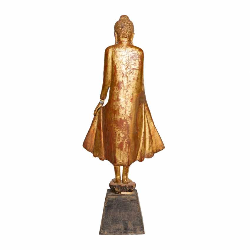 Wood figure of the standing Buddha. THAILAND, 20. Century. - photo 3