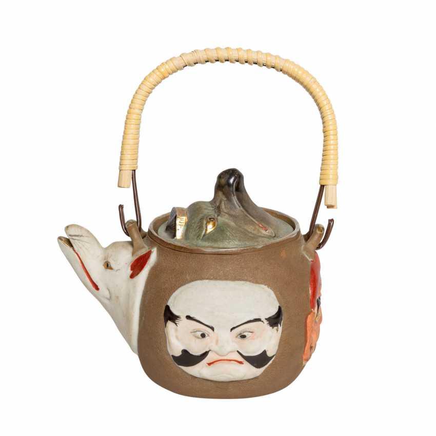 Excellent teapot with porcelain faces. JAPAN, Meiji-period (1868-1912). - photo 3