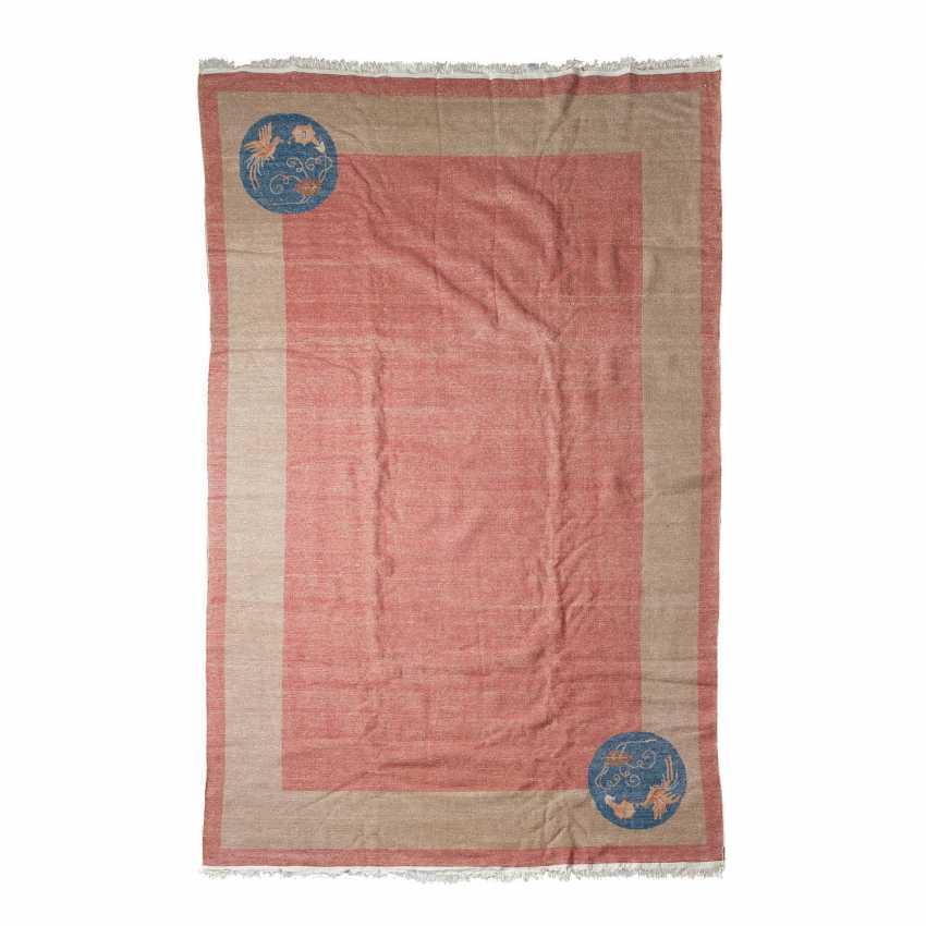 Carpet made of wool. CHINA, 20. Century, 310x203 cm. - photo 2
