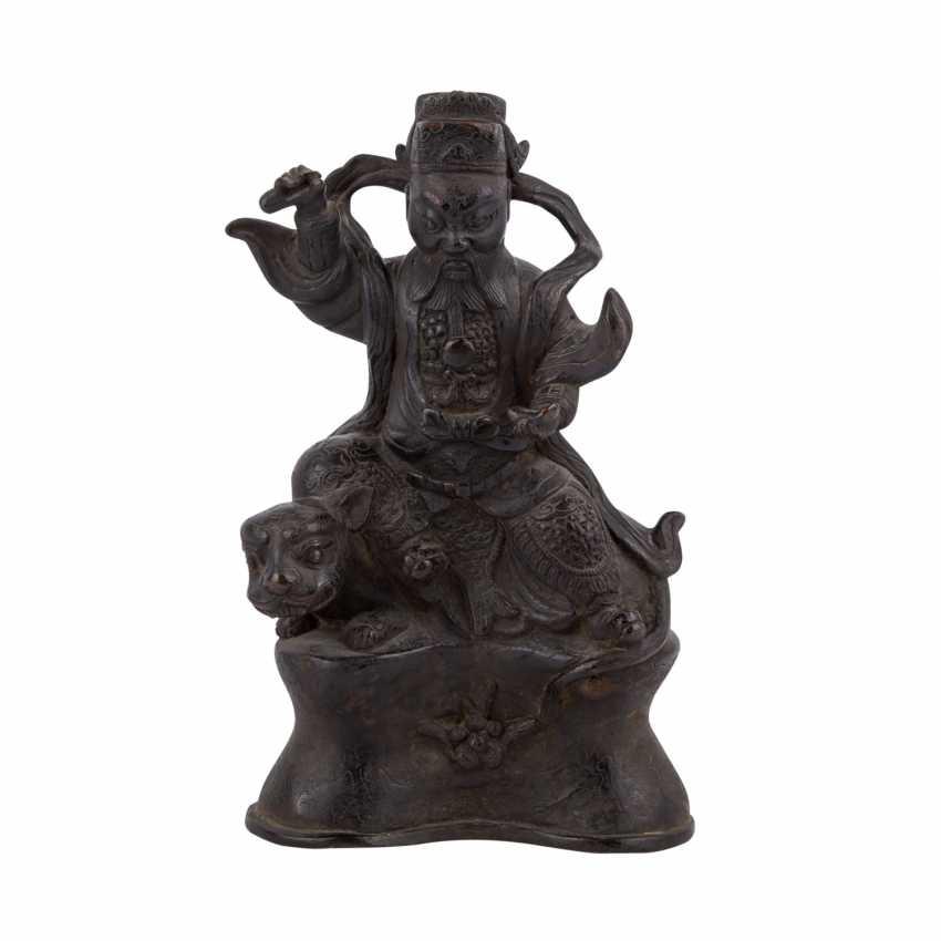 Heavy Bronze sculpture of Vaisravana (Jambhala). SINOTIBETISCH, 18./19. Century. - photo 2