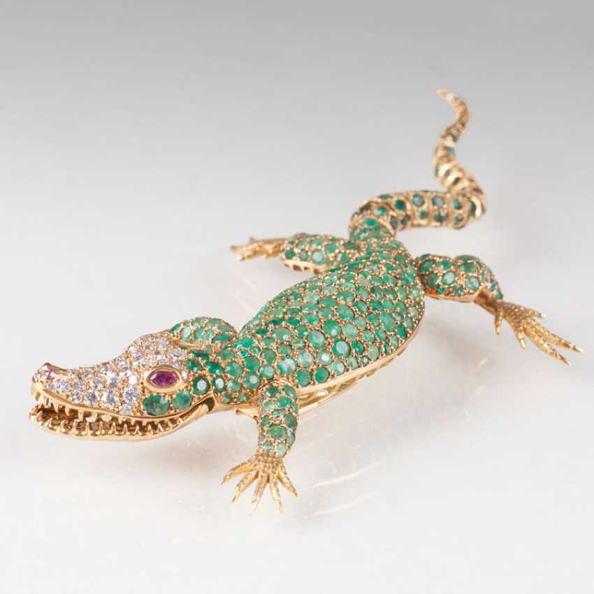 Exceptional Vintage brooch, 'Alligator', with emerald-, diamond - and ruby stocking