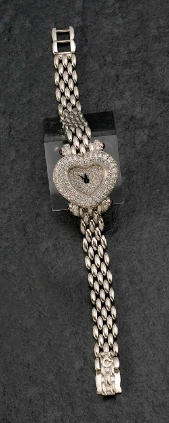 Fine ladies wrist watch in heart shape, Chopard