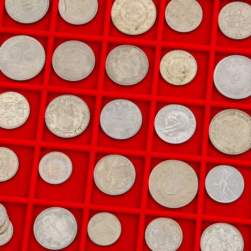 4 CABLE trays with a variety of coins in silver and - photo 2