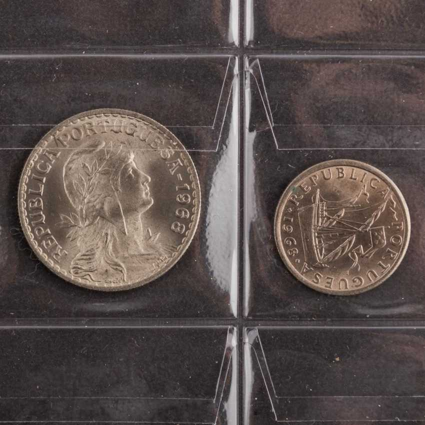 World coins 20. Century with, among other things, Turkey, Portugal, - photo 4