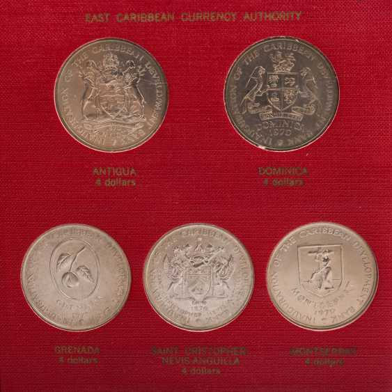 FAO - special album in 1970 with the numismatic emissions - photo 2
