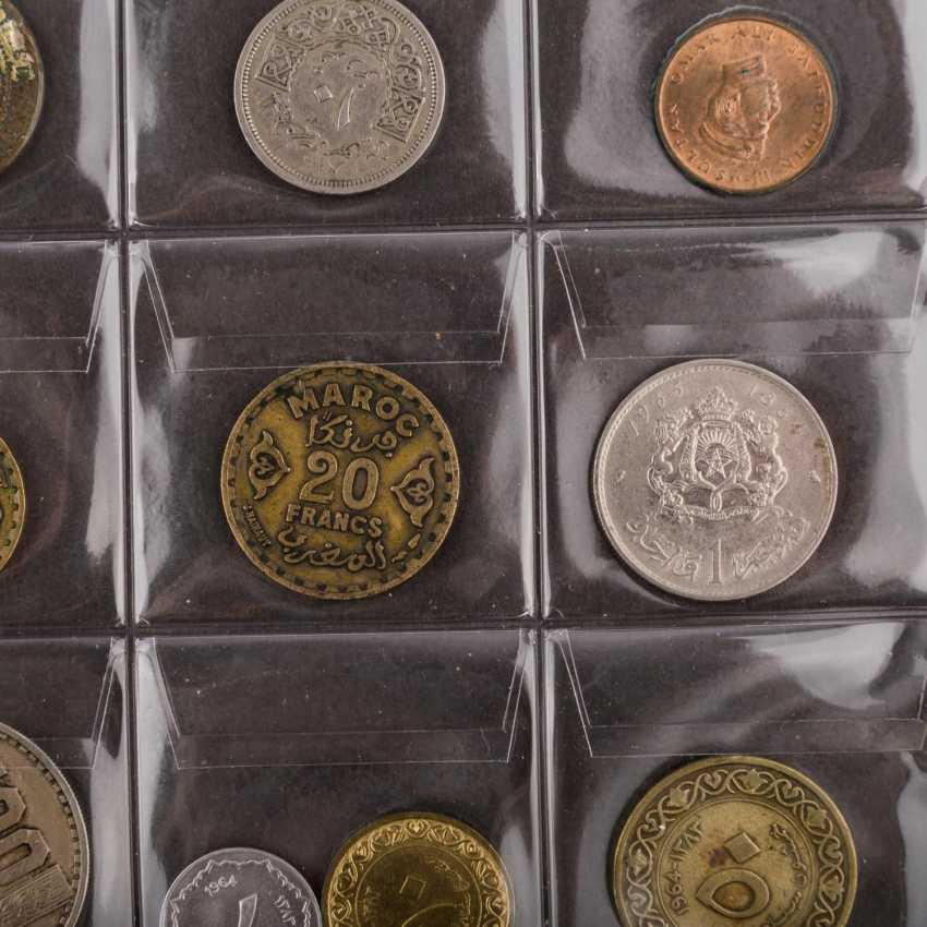 2 albums of world coins, effective approach, - photo 2