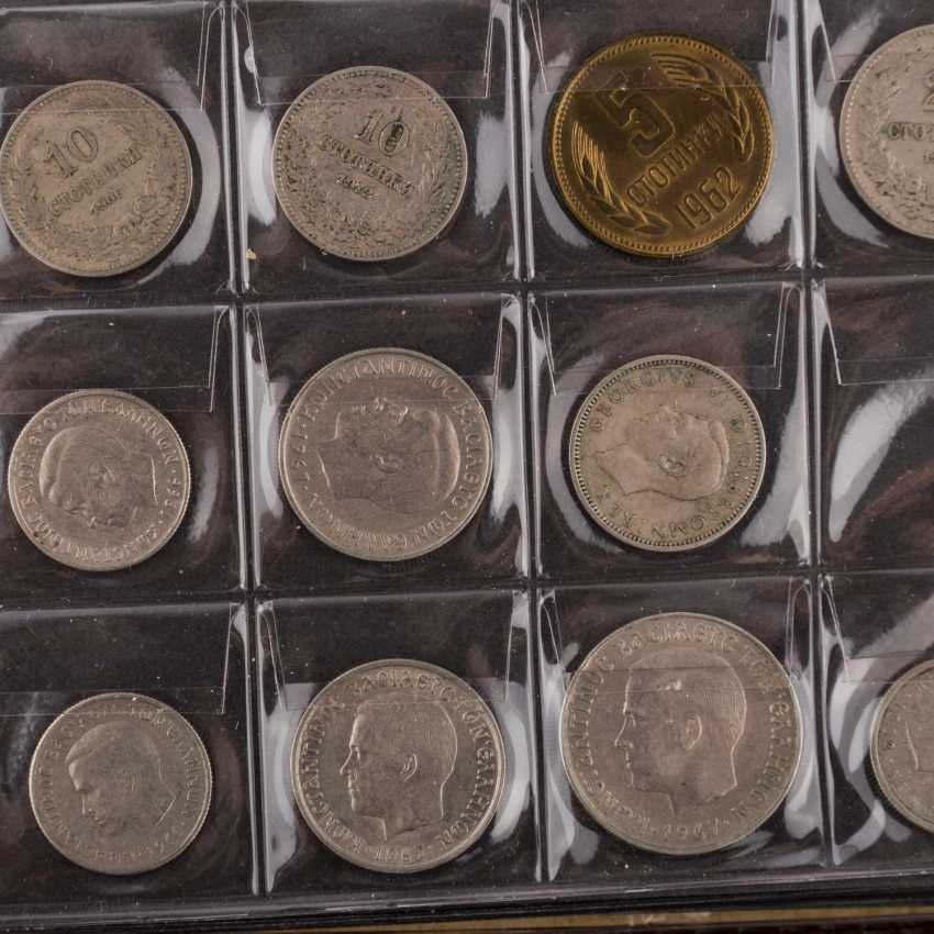 2 albums of world coins, effective approach, - photo 4