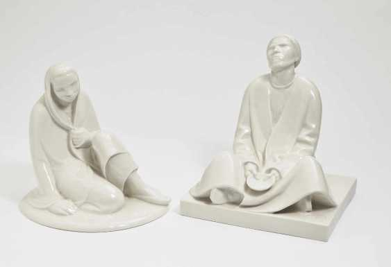 Seated girl' and 'blind beggar'. Black Burger workshops for porcelain art, white brook, in 1908 and in 1906, Ernst Barlach - photo 1