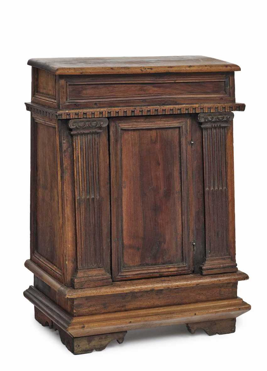 Small Sideboard. Italy, 17. Century - photo 1