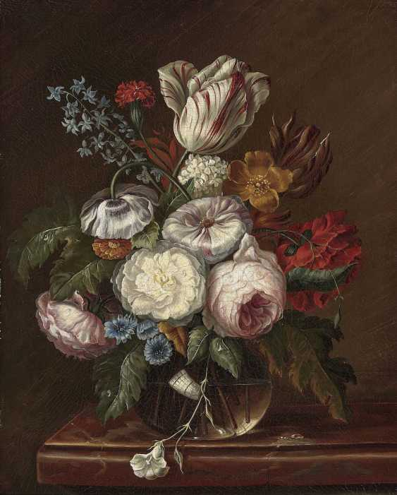 German (?), The beginning of the 19th. Century. Silent vase life with flowers in a glass on a marble table - photo 1