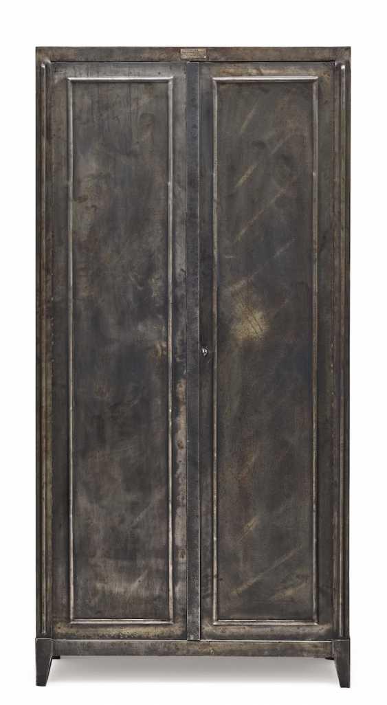 Steel Cabinet. France, dat. 1905 - photo 1