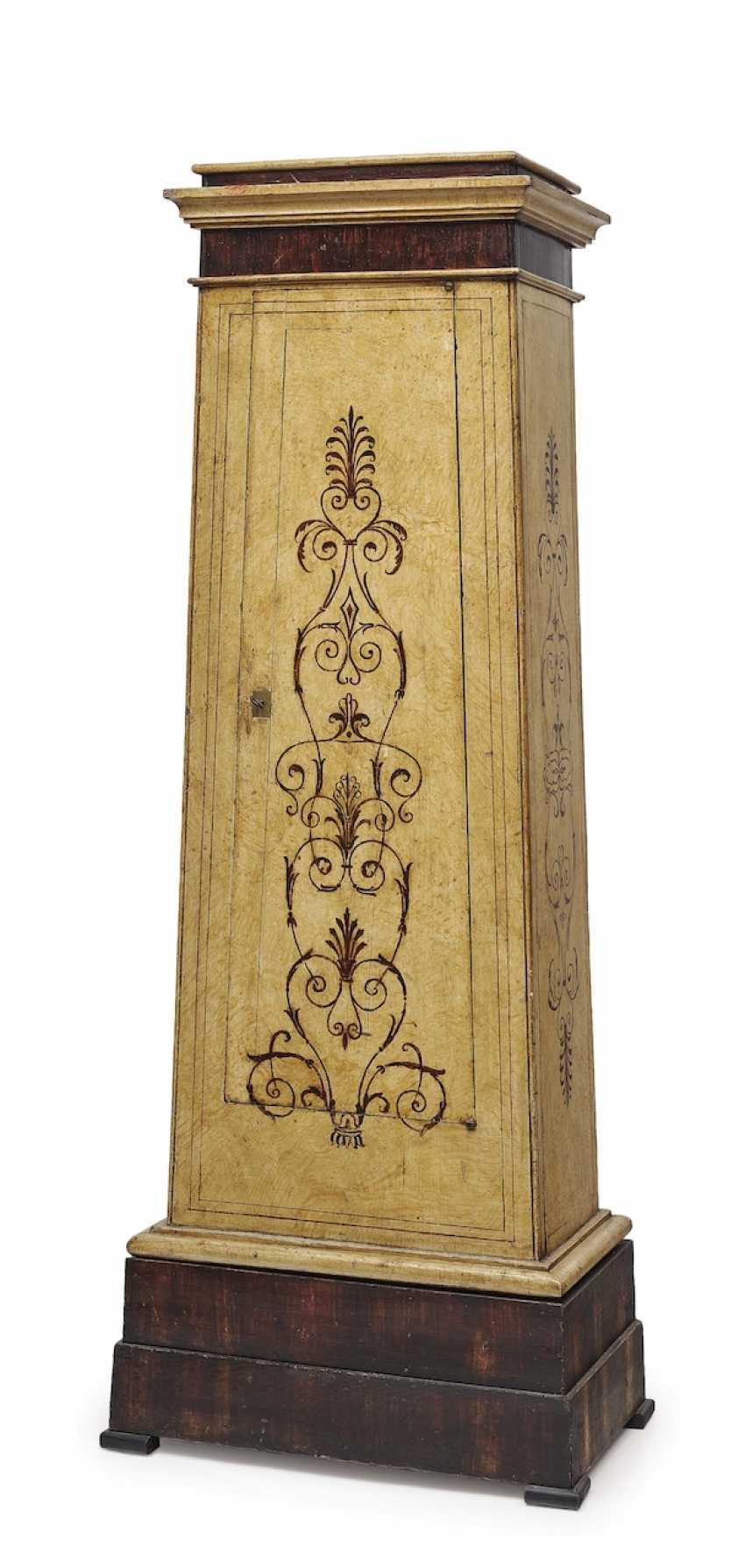 Arrow Cabinet. The North of Italy, 19. Century - photo 1