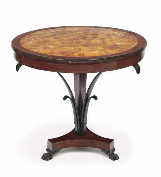 Table. Italy, 19. Century - photo 1