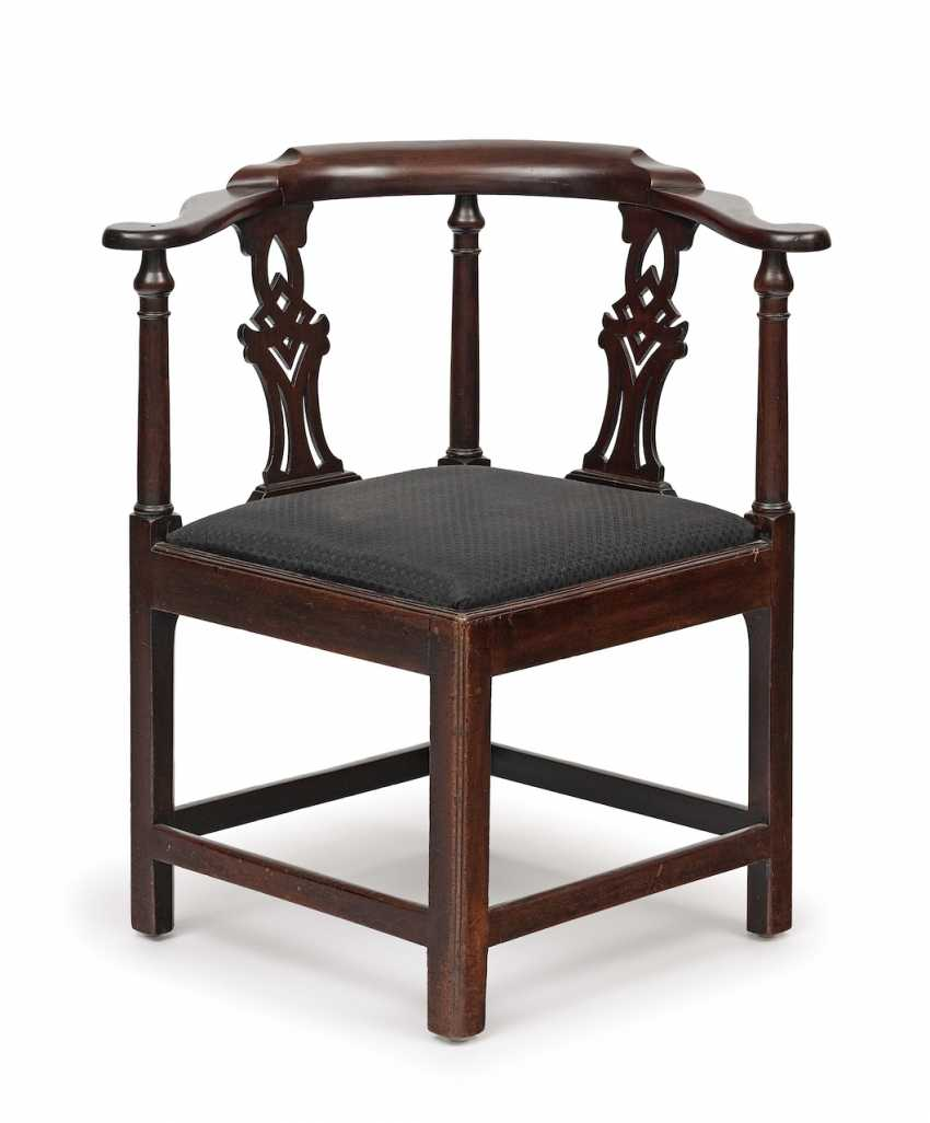 Eckstuhl (corner chair). England, 18./19. Century - photo 2